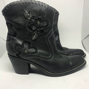 Mia Floral Leather Cowgirl Boots EUC 8.5